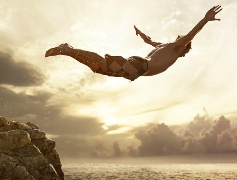 salta a creer en ti mismo con hipnosis